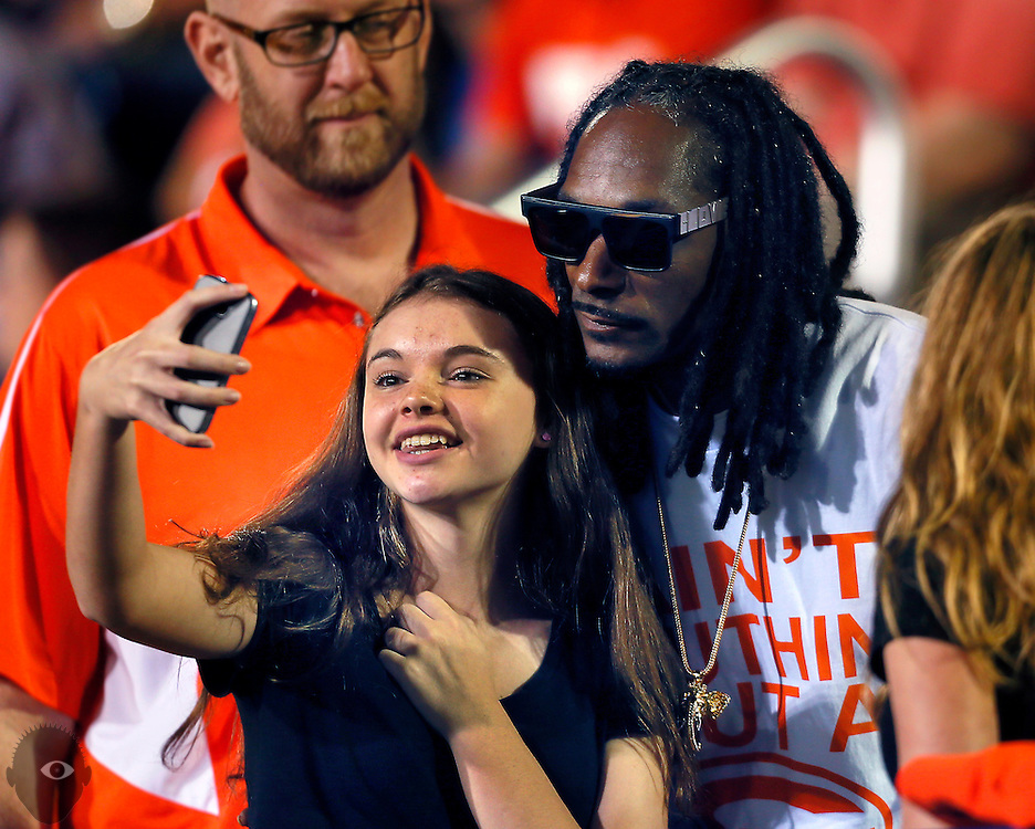 Snoop Dogg wants his son Cordell Broadus to pick USC