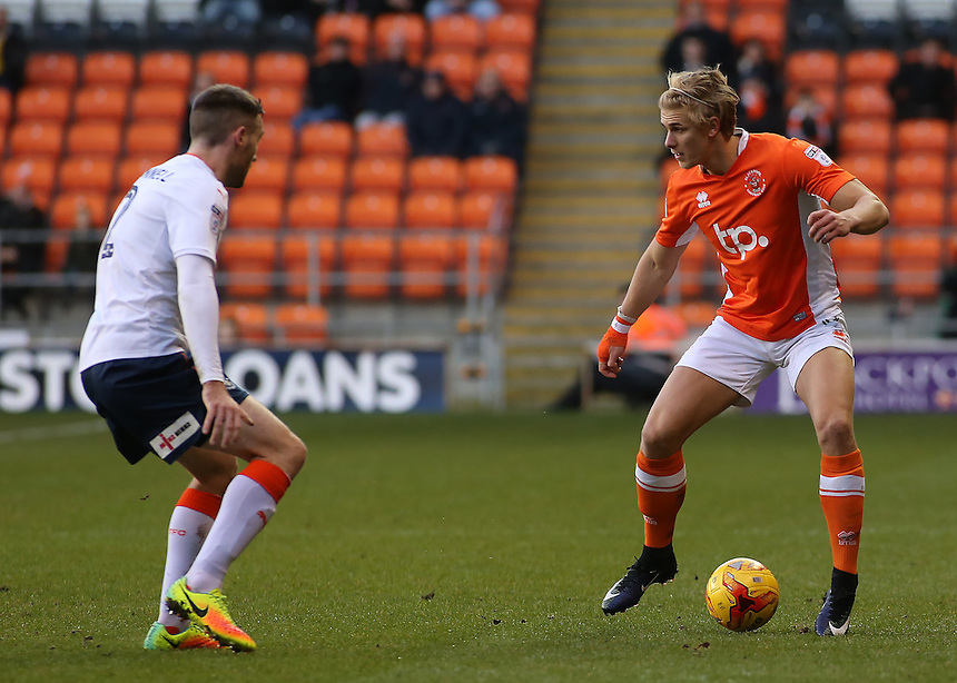 Blackpool's Brad Potts takes on Luton Town's Stephen O'Donnell<br /> <br /> Photographer David Shipman/CameraSport<br /> <br /> The EFL Sky Bet League Two - Blackpool v Luton Town - Saturday 17th December 2016 - Bloomfield Road - Blackpool<br /> <br /> World Copyright &copy; 2016 CameraSport. All rights reserved. 43 Linden Ave. Countesthorpe. Leicester. England. LE8 5PG - Tel: +44 (0) 116 277 4147 - admin@camerasport.com - www.camerasport.com