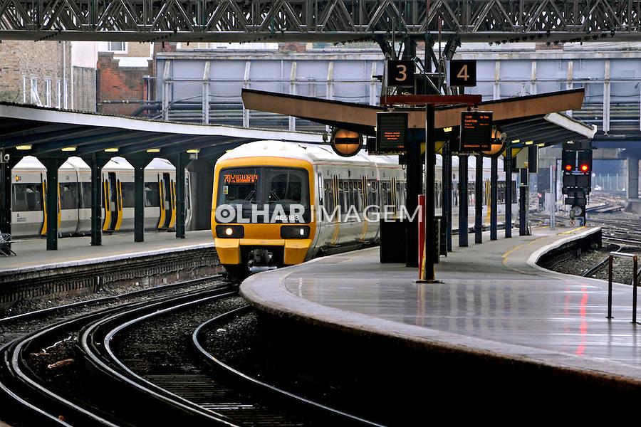 Estação de trens em Londres. Inglaterra. 2008. Foto de Juca Martins.