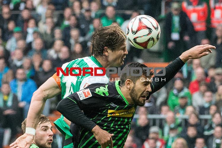 16.05.2015, Weser Stadion, Bremen, GER, 1.FBL. Werder Bremen vs Borussia Moenchengladbach, im Bild<br /> <br /> Sebastian Pr&ouml;dl / Proedl (Bremen #15)<br /> Alvaro Dominguez (Borussia M&ouml;nchengladbach) <br /> <br /> Foto &copy; nordphoto / Kokenge