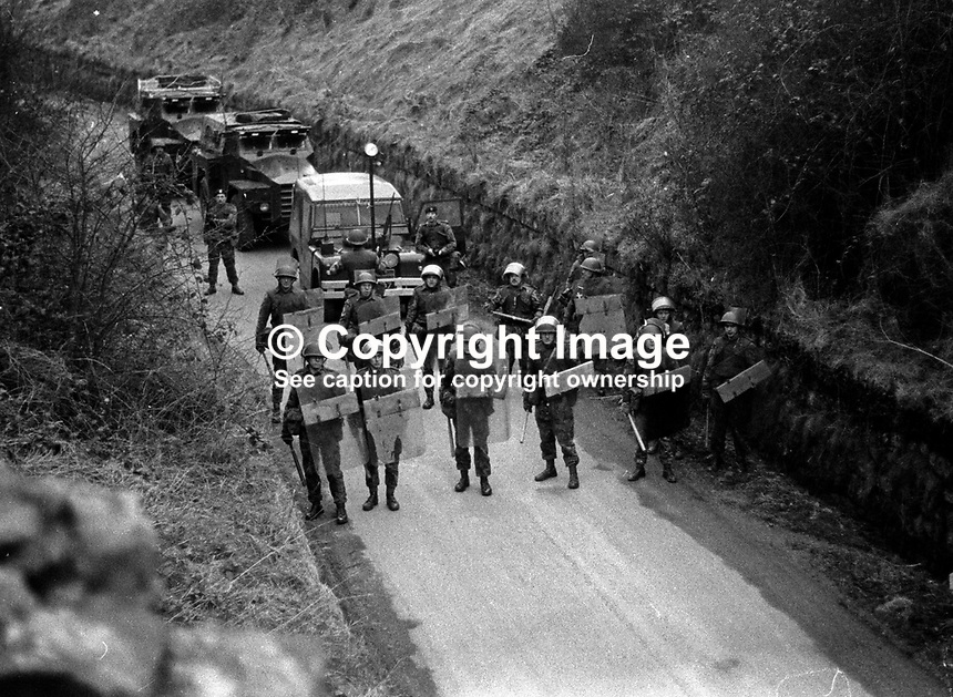 British army road block between Dungannon and Coalisland in attempt to stop banned anti-internment march. 23rd January 1972. 197201230083b<br />