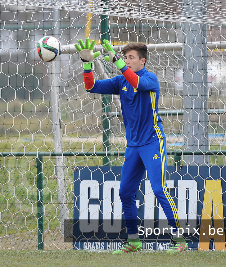 20160316 - Merchtem , BELGIUM : Spanish Inaki Sotorres pictured during the soccer match between the under 17 teams of  Belgium and Spain , on the third and last matchday in group 8 of the UEFA Under17 Elite rounds at FC Merchtem 2000 stadion in Merchtem , Belgium. Wednesday 16 th March 2016 . PHOTO DAVID CATRY