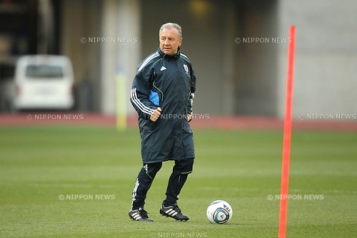 Alberto Zaccheroni (JPN), MARCH 28, 2011 - Football : Japan National Team performed a training camp at Nagai Stadium in Osaka, Japan. One is Japan training for a charity match in aid of the victims of the 2011 Tohoku Earthquake and Tsunami. They have held open training sessions and have collected money. (Photo by Akihiro Sugimoto/AFLO SPORT) [1080]