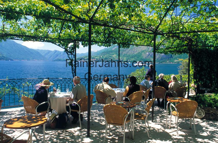 ITA, Italien, Lombardei, Comer See, Varenna: Cafe mit Seeblick | ITA, Italy, Lombardia, Lake Como, Varenna: famous holiday resort, cafe