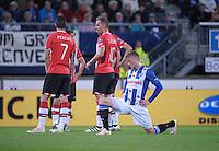 VOETBAL: HEERENVEEN: 01-10-2016, SC Heerenveen - PSV, uitslag 1-1, Sam Larsson, geblesseerd, © foto Martin de Jong