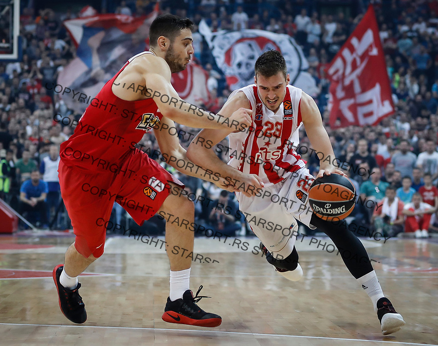 Kosarka Euroleague season 2016-2017<br /> Crvena Zvezda v Olympiacos (Athens)<br /> Marko Guduric and Ioannis Papapetrou (L)<br /> Beograd, 22.03.2017.<br /> foto: Srdjan Stevanovic/Starsportphoto &copy;