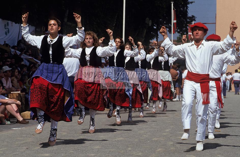 """Europe/France/Aquitaine/64/Pyrénées-Atlantiques/Saint-Palais: Festival """"Force Basque"""" - Danses folkloriques"""