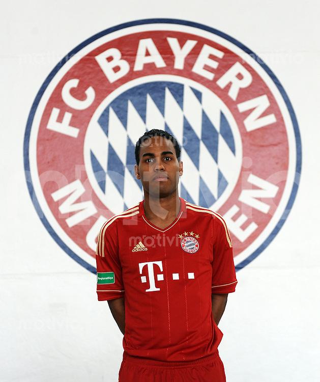 FUSSBALL  Regionalliga Sued     SAISON  2011/2012     22.07.2011 Fototermin beim  FC Bayern Muenchen II Boy Deul (FC Bayern II)