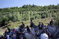 Val di Susa: manifestanti protestano contro l'avvio dei lavori per il tunnel dell'alta velocità