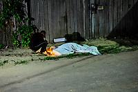 Belém, Pará, Brasil. Policia. Retranca: Homicidio - Kleberson Paiva Santana, 29 anos (Operário de uma empresa madereira. Gancho: Vitíma foi abordado  por dois homens que estavam em uma motocicleta e sendo que um deles efetuou os disparos. Segundo um primo da vitíma que peferiu não se indentificar, a motivação da morte de Klebeberson ainda é desconhecida. Data: 10/09/2015. local: Rua Salvador - Distrito Industrial - Ananindeua. Foto: Mauro Ângelo/Diário do Pará