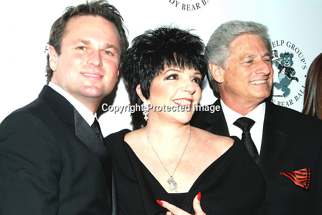 Sam Harris, Liza Minnelli and Haim Saban <br />