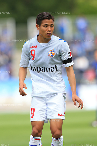 Ryo Nagai (V Varen), APRIL 23, 2016 - Football /Soccer : 2016 J2 League match between FC Machida Zelvia 1-0 V.Varen Nagasaki at Machida Stadium, Tokyo, Japan.  (Photo by AFLO SPORT)