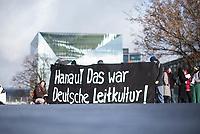 """Freunde und Bekannte von Opfern des rechtsextremen Terroranschlag von Hanau protestieren vor dem sog. """"Integrationsgipfel"""" im Bundeskanzleramt. Sie hielten ein Transparent mit der Aufschrift """"Hanau! Das war Deutsche Leitkultur"""" und forderten endlich konsequentes Vorgehen gegen Rechts und verlasen die Namen der Opfer des Anschlags.<br /> 2.3.2020, Berlin<br /> Copyright: Christian-Ditsch.de<br /> [NUR FUER REDAKTIONELLE ZWECKE! Werbung nur auf Anfrage beim Fotografen. Inhaltsveraendernde Manipulation des Fotos nur nach ausdruecklicher Genehmigung des Fotografen. Vereinbarungen ueber Abtretung von Persoenlichkeitsrechten/Model Release der abgebildeten Person/Personen liegen nicht vor. NO MODEL RELEASE! Don't publish without copyright Christian-Ditsch.de, Veroeffentlichung nur mit Fotografennennung, sowie gegen Honorar, MwSt. und Beleg. Konto: I N G - D i B a, IBAN DE58500105175400192269, BIC INGDDEFFXXX, Kontakt: post@christian-ditsch.de<br /> Bei der Bearbeitung der Dateiinformationen darf die Urheberkennzeichnung in den EXIF- und  IPTC-Daten nicht entfernt werden, diese sind in digitalen Medien nach §95c UrhG rechtlich geschuetzt. Der Urhebervermerk wird gemaess §13 UrhG verlangt.]"""