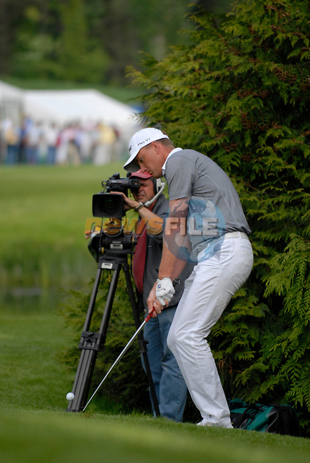 Robert Karlsson chips onto the 18th green during the third round of the 2008 Irish Open at Adare Manor Golf Resort, Adare,Co.Limerick, Ireland 17th May 2008 (Photo by Eoin Clarke/GOLFFILE)