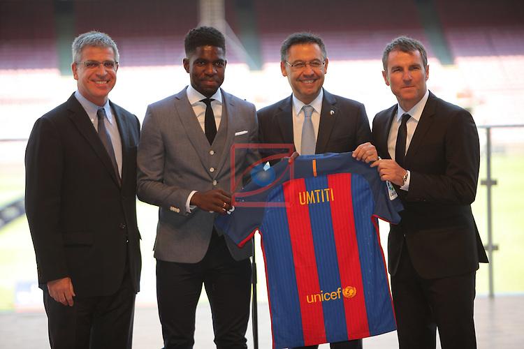 League BBVA 2016/2017.<br /> Samuel Umtiti presented as new player of FC Barcelona.<br /> Jordi Moix, Samuel Umtiti, Josep Maria Bartomeu &amp; Robert Fernandez.
