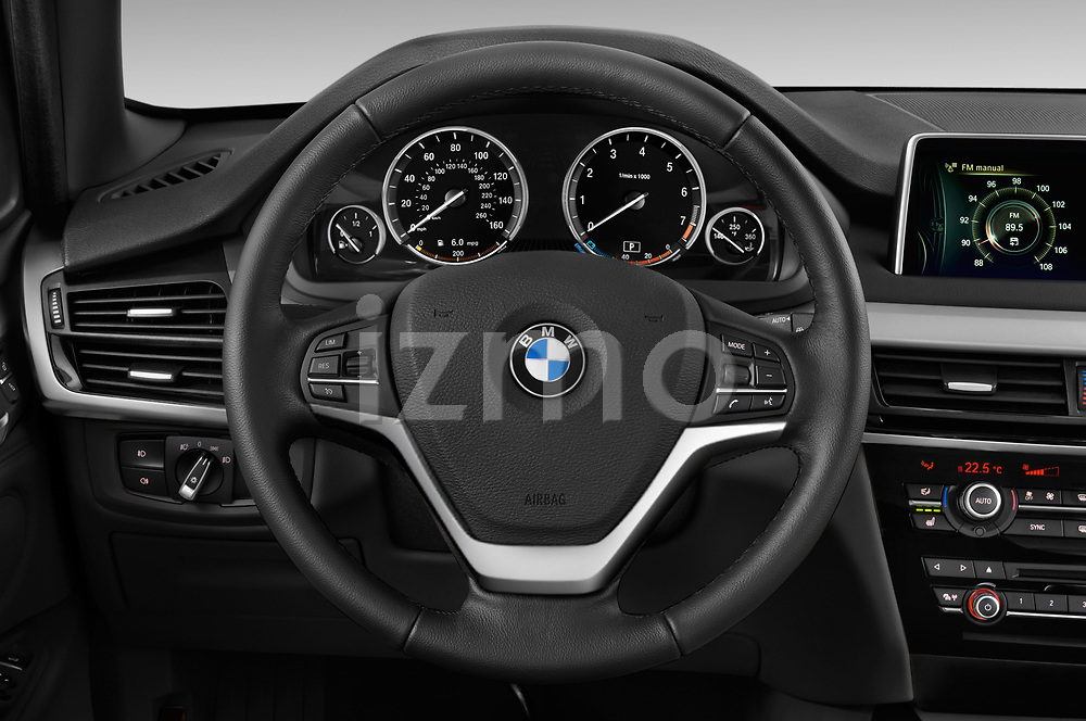 Car pictures of steering wheel view of a 2017 BMW X5 xDrive35d 5 Door SUV