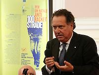 MANIFESTAZION ANTI RACKET CON IL CAPO DELLA POLIZIA .NELLA FOTO  ANTONIO MANGANELLI,.FOTO CIRO DE LUCA.