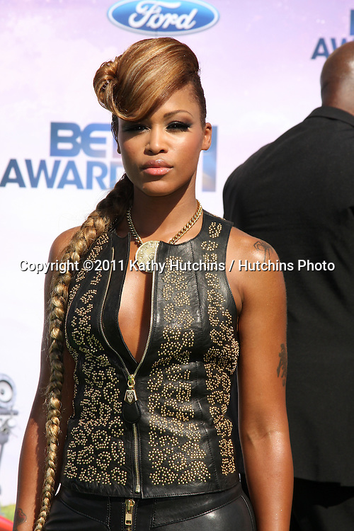 LOS ANGELES - JUN 26:  EVE arriving at the 11th Annual BET Awards at Shrine Auditorium on June 26, 2004 in Los Angeles, CA