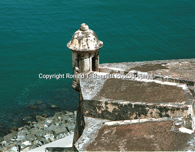 San Felipe del Morro Puerto Rico,  Puerto Rico, Commonwealth of Puerto Rico, Estado Libre Asociado de Puerto Rico, self governing unincorporated territory of the United States, archipelago, main island of Puerto Rico, Vieques, Culebra, Mona, four Greater Antilles, Borinquen, Taino, Boricua, borincano, Boriken, Borinquen, la Isla del Encanto, The Island of Enchantment, Christopher Columbus, Spanish, First settlers were Ortoiroid people, Archaic Period culture of Amerindian hunters and fishermen, Igneri, Taino culture, Spanish colony, Arawak Indian, Garita at fort San Felipe del Morro, United States colony, San Felipe del Morro, San Cristobal Fortresses, La Fortaleza, Santa Catalina Place, The Islands of Enchantment Fine Art Photography by Ron Bennett, Fine Art, Fine Art photography, Art Photography, Copyright RonBennettPhotography.com ©