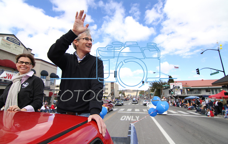 Democratic gubernatorial candidate Rory Reid waves to the crowd during the Nevada Day parade on Saturday, Oct. 30, 2010, in Carson City, Nev. .Photo by Cathleen Allison