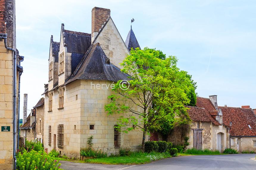 France, Indre-et-Loire (37), Crissay-sur-Manse, labelisé Plus Beaux Villages de France, maison en tuffeau // France, Indre et Loire, Crissay sur Manse, labelled Les Plus Beaux Villages de France (The Most beautiful Villages of France)