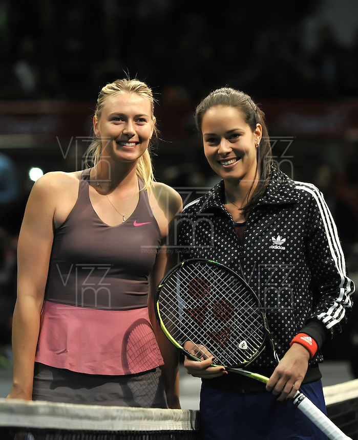 BOGOTA – COLOMBIA-06-12-2013: Maria Sharapova, tenista de Rusia y Anan Ivanovic , tenista de Serbia poasa para una foto antes de partido de exhibición en el Coliseo El Campin en la ciudad de Bogota. / Maria Sharapova, Rusian Tennis player, and Ana Ivanovic  Serbian tennis player pose for photo an exhibition game in the Coliseo El Campin in  Bogota City. / Photo: VizzorImage / Luis Ramirez / Staff.