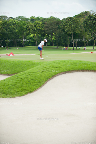 Stacy Lewis (USA),.MARCH 3, 2013 - Golf :.Stacy Lewis of United States putts during the final round of the HSBC Women's Champions golf tournament at Sentosa Golf Club in Singapore. (Photo by Haruhiko Otsuka/AFLO)