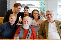 Diana Ligeti, Hubert Reeves et Jean-Jacques Favier<br /> Maud Lovett, Marie-Hélène Salers et Karine Lethiec