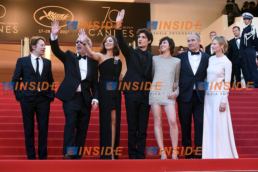 Mathieu Amalric, Arnaud Desplechin, Marion Cotillard, Louis Garrel, Charlotte Gainsbourg, Hipolyte Girardeau<br /> Cannes 17-05-2017 70&deg;Edizione Festival del Cinema di Cannes. Cerimonia d'apertura<br /> Foto Panoramic / Insidefoto