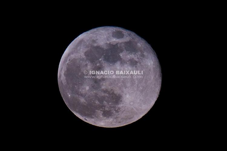 The Moon of Valencia