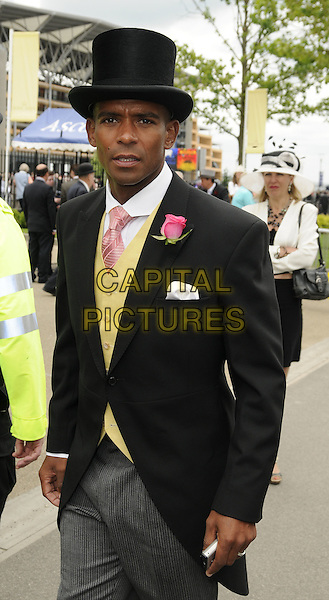 TREVOR SINCLAIR .Ladies Day of Royal Ascot, Ascot Racecourse, Ascot, England. .June 18th, 2009 .half length black top hat grey gray trousers yellow waistcoat .CAP/CAN.©Can Nguyen/Capital Pictures.