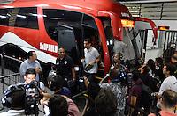 SÃO PAULO, SP, 28 DE FEVEREIRO DE 2013 - TAÇA LIBERTADORES DA AMÉRICA - SÃO PAULO x THE STRONGEST: Jogadores do São Paulo chegam para a partida São Paulo x The Strongest, válida pela 2ª rodada do grupo 3 da Taça Libertadores da América de 2013, disputada no estádio do Morumbi em São Paulo. FOTO: LEVI BIANCO - BRAZIL PHOTO PRESS