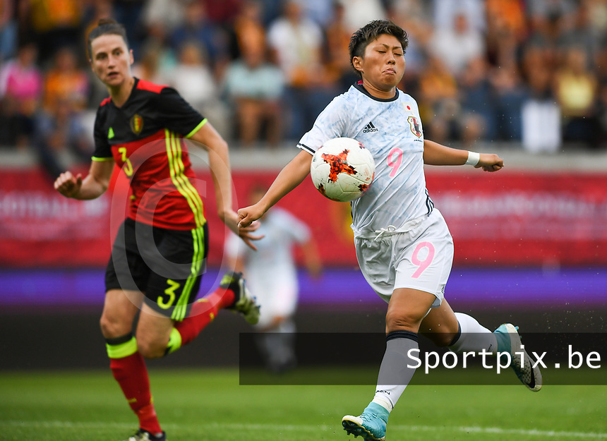 20170613 - LEUVEN ,  BELGIUM : Japanese striker Kumi Yokoyama (r)  pictured in action during the friendly female soccer game between the Belgian Red Flames and JAPAN , a friendly game in the preparation for the European Championship in The Netherlands 2017  , Tuesday 13 th June 2017 at Stadion Den Dreef  in Leuven , Belgium. PHOTO SPORTPIX.BE | DAVID CATRY