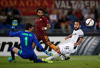 Calcio, Europa League: Roma vs Astra Giurgiu. Roma, stadio Olimpico, 29 settembre 2016.<br /> Roma&rsquo;s Mohamed Salah, center, is challenged by Astra Giurgiu&rsquo;s goalkeeper Silviu Lung, left, and Junior Morais during the Europa League Group E soccer match between Roma and Astra Giurgiu at Rome's Olympic stadium, 29 September 2016. Roma won 4-0.<br /> UPDATE IMAGES PRESS/Isabella Bonotto