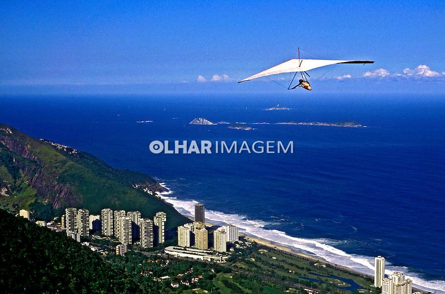Salto de asa delta em São Conrado. Rio de Janeiro. 1999. Foto de Ricardo Azoury.