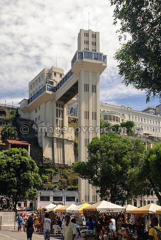 Brazil, Bahia, Salvador: Elevador Lacerda in the historic city center of Salvador de Bahia. The Lacerda elevator from 1873 connects the 72 metres (236 ft) between the Thomé de Souza Square in the upper city, and the Cayru Square in the lower city. --- No signed releases available.