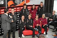 SCHAATSEN: HEERENVEEN: 21-10-2016, Perspresentatie Team Clafis, directeur Bert Jonker in gesprek met KC Boutiette (USA), ©foto Martin de Jong