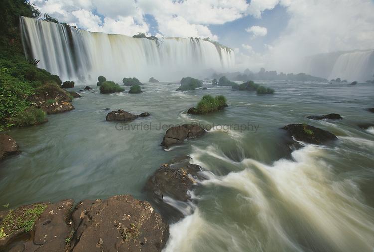 Iguazu fall.