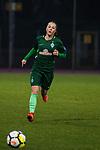 03.12.2017, Platz 11, Bremen, GER, DFB Pokal der Frauen, Achtelfinale, SV Werder Bremen vs SGS Essen, <br /> <br /> im Bild | picture shows<br /> Janine Angrick (Werder Bremen #8), <br /> <br /> Foto &copy; nordphoto / Rauch