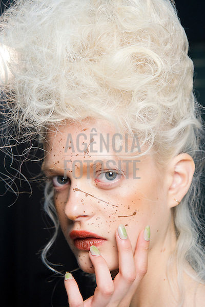 Paris, Franca &sbquo; 09/2013 - Desfile de Vivienne Westwood durante a Semana de moda de Paris  -  Verao 2014. <br /> Foto: FOTOSITE