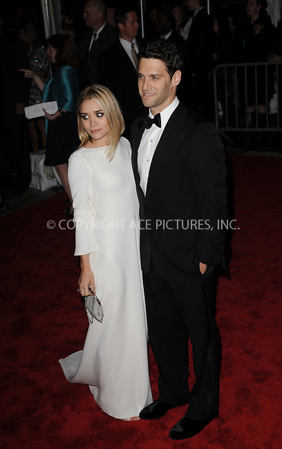 WWW.ACEPIXS.COM . . . . . ....May 4 2009, New York City....Ashley Olsen and Justin Bartha arriving at 'The Model as Muse: Embodying Fashion' Costume Institute Gala at The Metropolitan Museum of Art on May 4, 2009 in New York City.....Please byline: KRISTIN CALLAHAN - ACEPIXS.COM.. . . . . . ..Ace Pictures, Inc:  ..tel: (212) 243 8787 or (646) 769 0430..e-mail: info@acepixs.com..web: http://www.acepixs.com