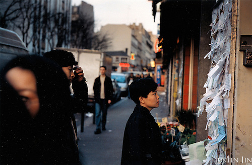 France, Paris, 05-2003..Illegal Chinese look for work in Paris. They are part of a new wave of immigrants from China?s northeast, home to millions of former cradle-to-grave factory workers laid off by closures. ..