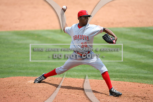 April 12, 2009:  Pitcher Enerio Del Rosario of the Sarasota Reds Florida State League Class-A affiliate of the Cincinnati Reds, during a game at Tradition Field in St. Lucie, FL.  Photo by:  Mike Janes/Four Seam Images