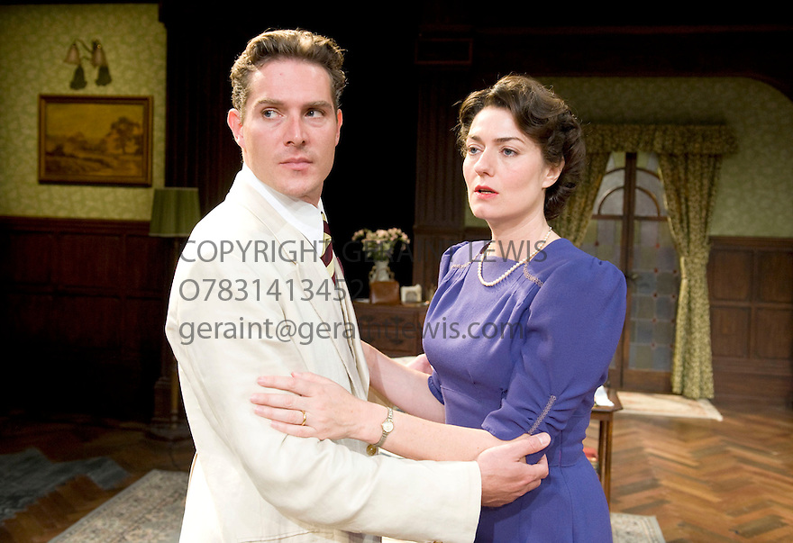 The Browning Version by Terence Rattigan directed by Angus Jackson. With  Mark Umbers as Frank Hunter, Anna Chancellor as Millie Crocker-Harris. Part of a Double Bill with South Downs .Opens  at  The Minerva Theatre in Chichester on 14/9/11 . CREDIT Geraint Lewis