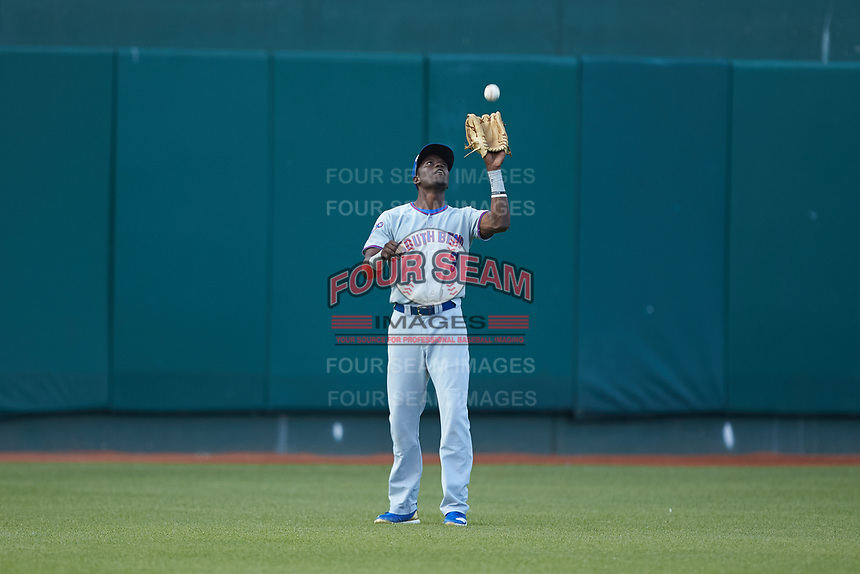 South Bend Cubs center fielder Chris Singleton (3) settles under a fly ball during the game against the Lansing Lugnuts at Cooley Law School Stadium on June 15, 2018 in Lansing, Michigan. The Lugnuts defeated the Cubs 6-4.  (Brian Westerholt/Four Seam Images)
