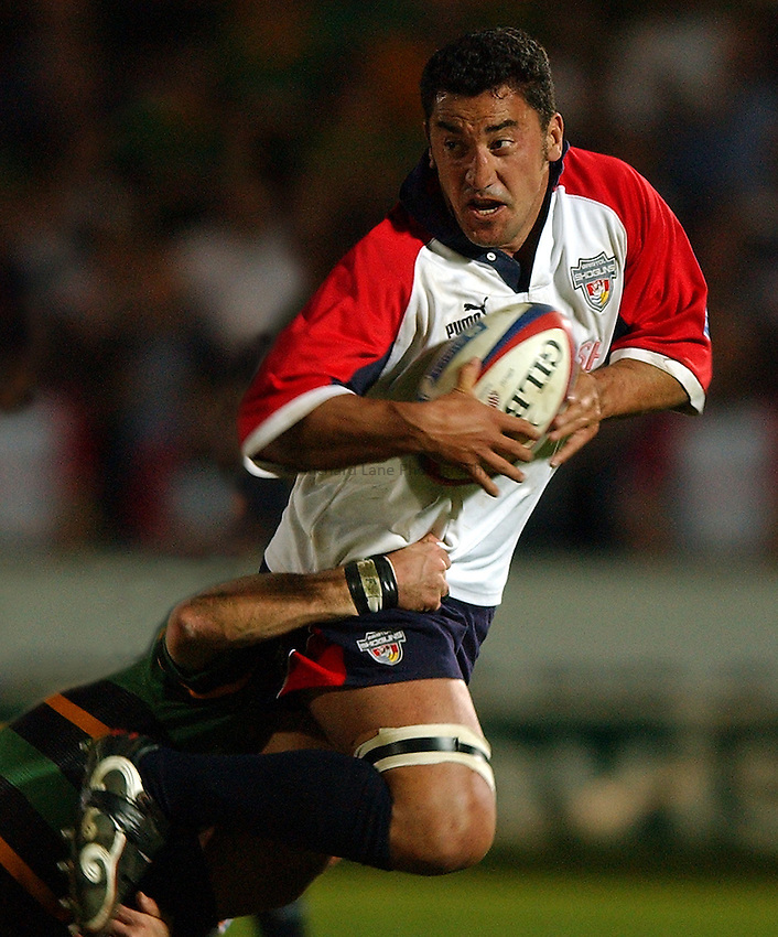 Photo: Richard Lane..Northampton Saints v Bristol Shoguns. Zurich Premiership.  16/04/2003..Daryl Gibson