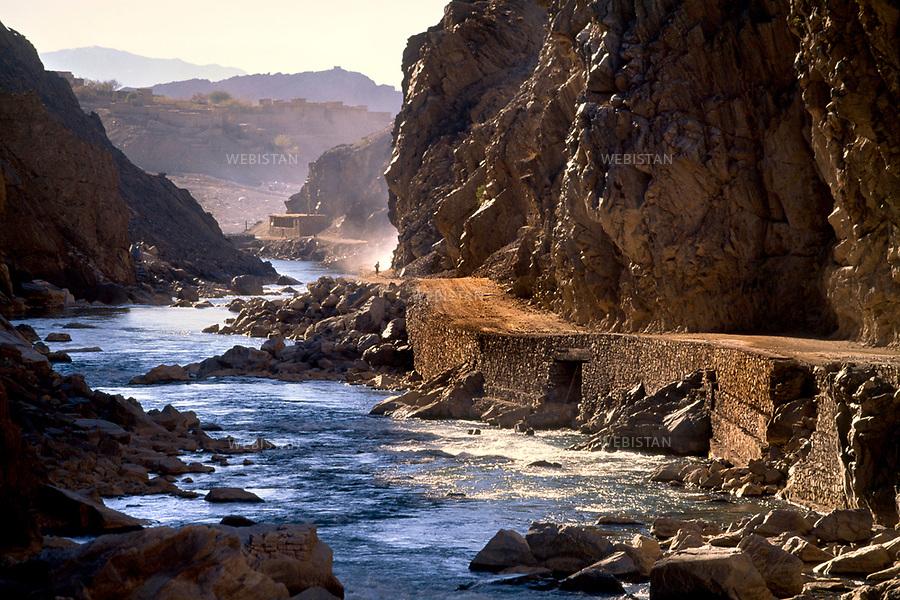 Afghanistan. 2000. Entrance of the Panjshir Valley.<br /> <br /> Afghanistan. 2000. Entr&eacute;e de la Vall&eacute;e du Panjshir.