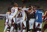 Atlético Huila cayó 2-3 ante el Deportes Tolima en el estadio Centenario de Armenia, y le otorgó la clasificación a las semifinales del Apertura 2015 al equipo 'Pijao'.