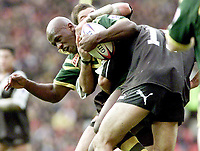 Picture by Shaun Flannery\SWpix.com - 25/11/00 - Rugby League World Cup Final 2000 - Australia v New Zealand, Old Trafford, Manchester, England - Australia's Wendell Sailor in the thick of the action.