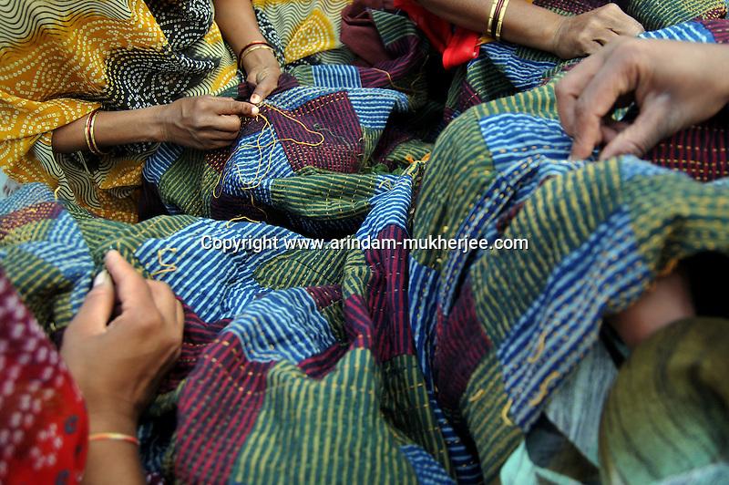 Workers of Sadhna during work at Ratakhet slum in Udaipur, Rajasthan, India. 24.1.2011. Arindam Mukherjee